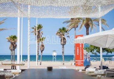 Пляжный клуб рядом с Валенсией
