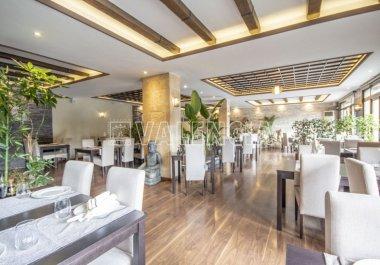 Ресторан+хостел в Морайре