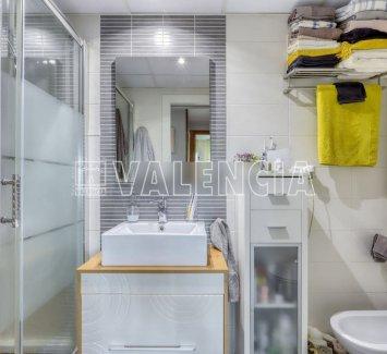 Квартира в Валенсии с видом на парк