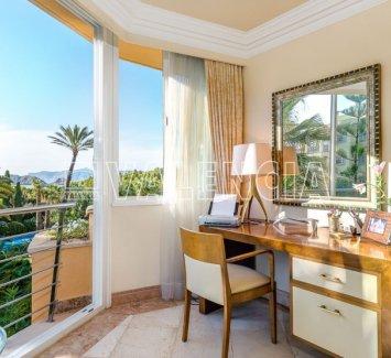Красивая квартира в Нова Санта Понса