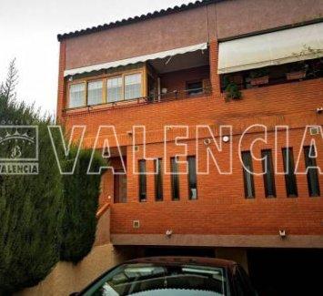 Таунхаус в пригороде Валенсии