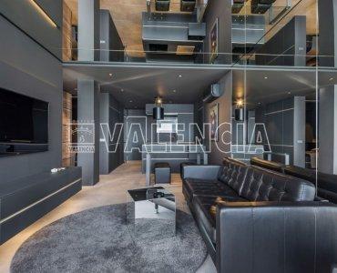 Стильная квартира с видом на порт Адриано