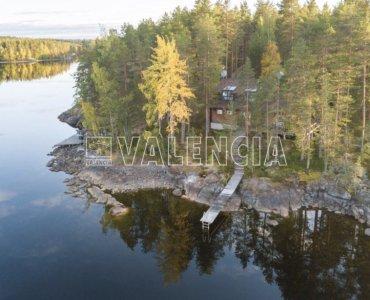 Дом на озере